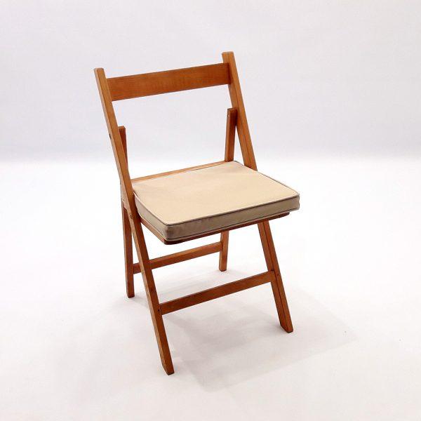 cadira fusta amb coixi