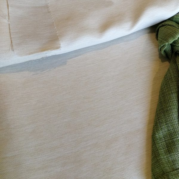 muestra mantel crema